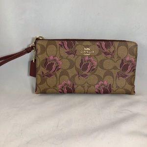 Coach Double Zip Wallet in Desert Tulip Print